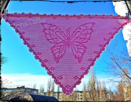 Бабочка - красавица.  Косынка, вязаная крючком ручной работы на заказ