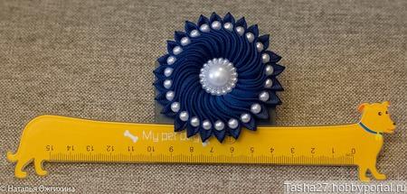 Бант синий с жемчужными бусинами ручной работы на заказ