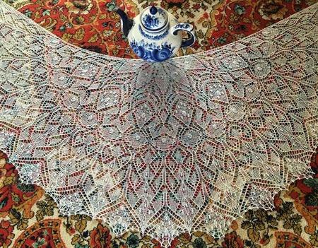 Шаль Царевна Лебедь - авторская работа ручной работы на заказ