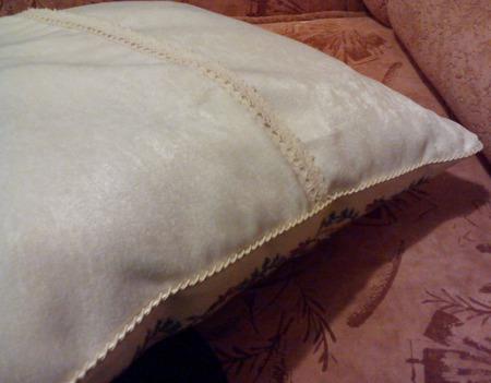 """Подушка диванная декоративная вышитая """"Летний букет"""" ручной работы на заказ"""