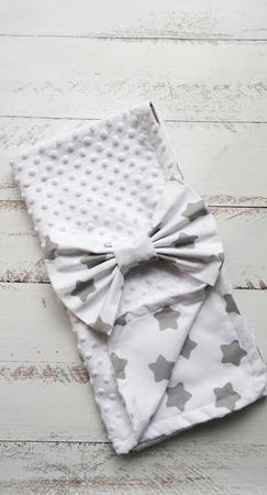 Одеяло-плед с бантом на выписку ручной работы на заказ