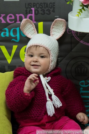 Вязаная детская шапочка Зайка ручной работы на заказ