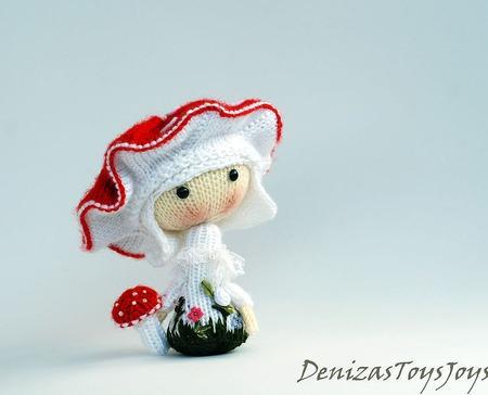 """Мастер-класс """"Маленькая куколка Amanita muscaria  из серии Tanoshi"""" ручной работы на заказ"""