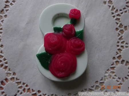 Подарочное мыло ручной работы 8 Марта  с розами ручной работы на заказ