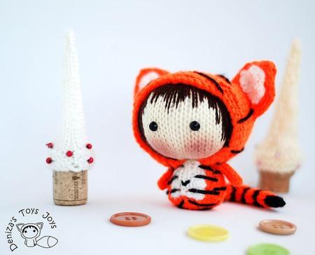 """Мастер-класс """"Маленькая куколка  Огненный Тигренок  из серии Tanoshi.' ручной работы на заказ"""