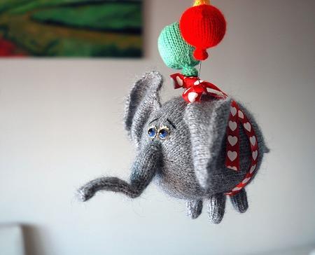"""Мастер-класс """"Воздушный Летающий Слон с 3 разноцветными шарами."""" ручной работы на заказ"""