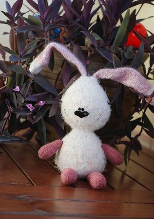 """Мастер-класс """"Белый заяц с розовыми лапами и ушами."""" ручной работы на заказ"""