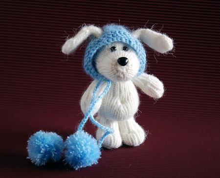 """Мастер-класс """"Белый щенок в голубой шапке"""" ручной работы на заказ"""