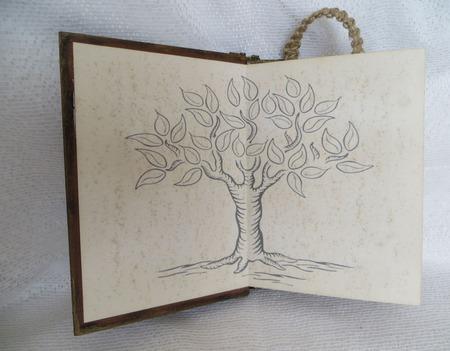 """Ежедневник недатированный с красивыми листами .  """"Волшебное дерево"""" ручной работы на заказ"""