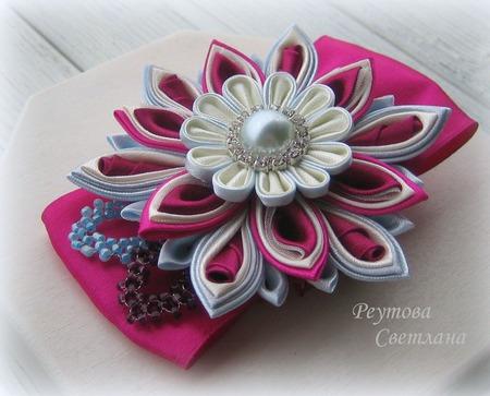 Заколка-зажим Вишневый цвет в технике канзаши ручной работы на заказ