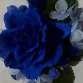 Заколка синяя роза