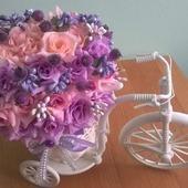 Лиловая композиция Велосипед с цветами