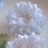Праздничные белые банты