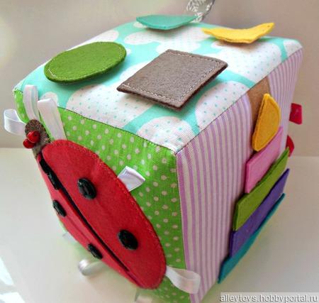 Развивающий кубик для детей ручной работы на заказ