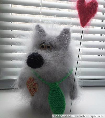 """Вязаная игрушка """"Одинокий Волк мечтает познакомиться!"""" ручной работы на заказ"""