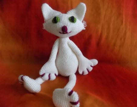 Белый котик ручной работы на заказ