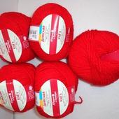 Пряжа Троицкая Детская цвет №0042 красный, 20% мерин.шерсть, 80% акрил