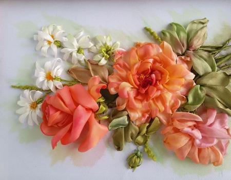Вышивка лентами  Розы и ромашки ручной работы на заказ