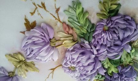 Вышивка шелковыми лентами Хризантемы ручной работы на заказ