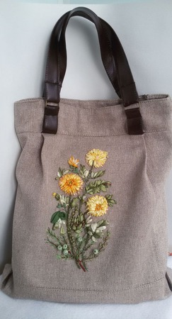 Стильная сумка , вышитая лентами ручной работы на заказ