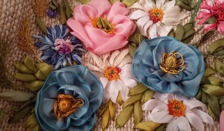 Сумка, вышитая лентами Полевые цветы ручной работы на заказ
