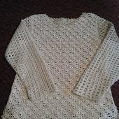 Пуловер детский с медальоном на спинке
