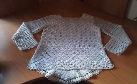 Пуловер детский с медальоном на спинке ручной работы на заказ