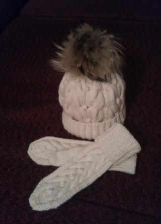 Комплект зимний: шапка и варежки ручной работы на заказ
