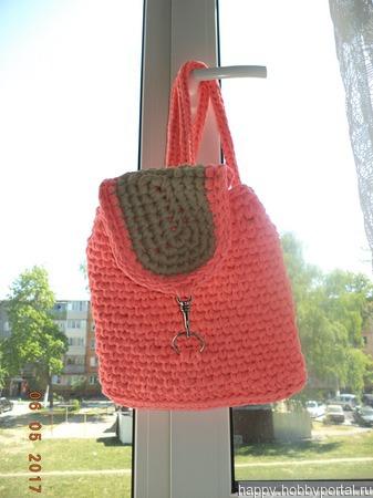 Модный рюкзак из трикотажной пряжи ручной работы на заказ