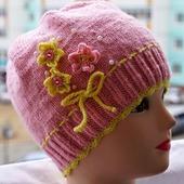 Нежная шапочка для девочки
