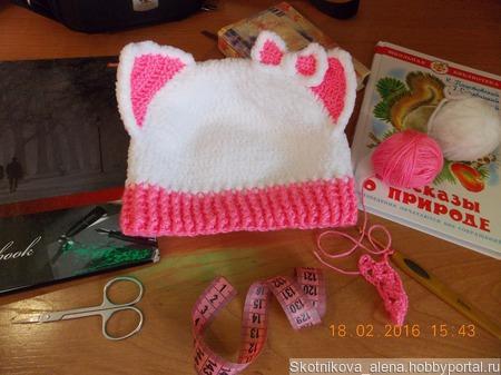 Плюшевая шапочка кошечка ручной работы на заказ