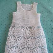 Летнее платье с юбочкой из мотивов