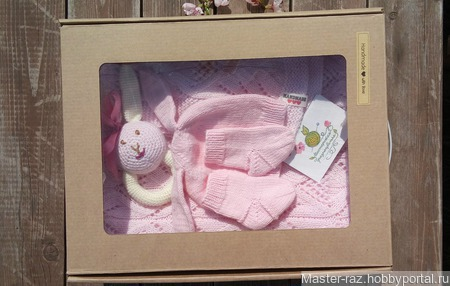 Комплект для новорожденной малышки ручной работы на заказ