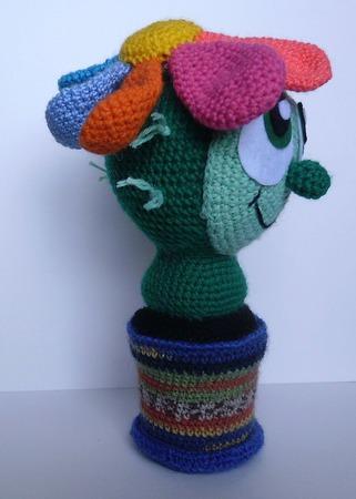 Цветущий кактус-игольница ручной работы на заказ
