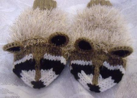 Варежки - еноты ручной работы на заказ