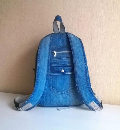 Рюкзак джинсовый женский Букет с ромашками ручной работы на заказ