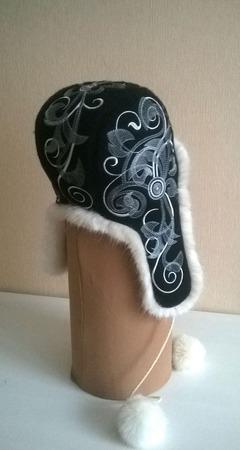 Шапка женская зимняя Морозные узоры ручной работы на заказ
