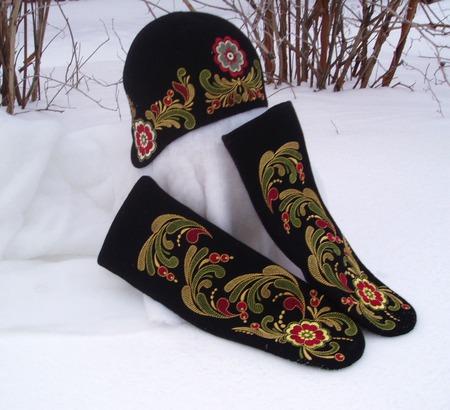 Шапка зимняя женская Славянские мотивы ручной работы на заказ