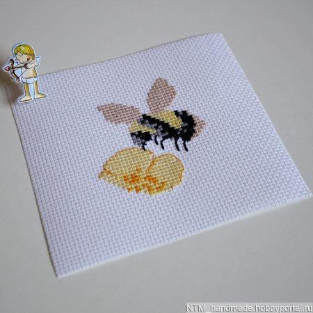 Заготовки. вышивка Пчела ручной работы на заказ