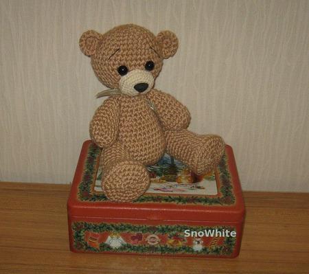 Милый вязаный медвежонок ручной работы на заказ