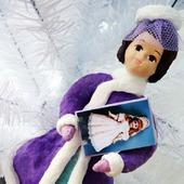 Девушка с куклой  - ватная игрушка