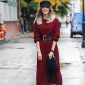 Длинное вязаное платье ручной работы