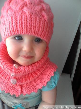 Комплект зимний шапка и манишка ручной работы на заказ