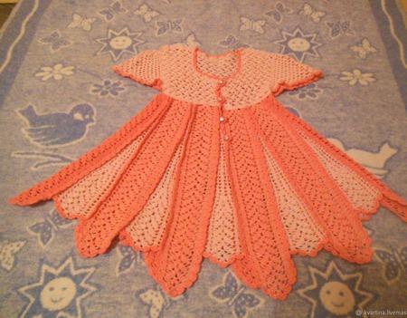 Вязанное крючком детское платье ручной работы на заказ