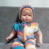 Вязаный костюм для новорождённого