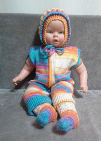 Вязаный костюм для новорождённого ручной работы на заказ