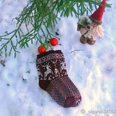 Носки с оленями бордовые