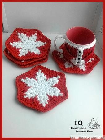 """Подставка, прихватка """"Снежинки в красном"""" ручной работы на заказ"""