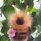 Пчёлка ЖУЖУ. вязаная игрушка, пушистик