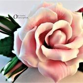 Заколка Роза в малине.